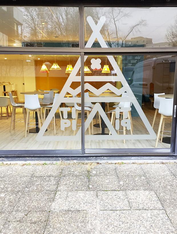 conception et fabrication de vitrines en alsace